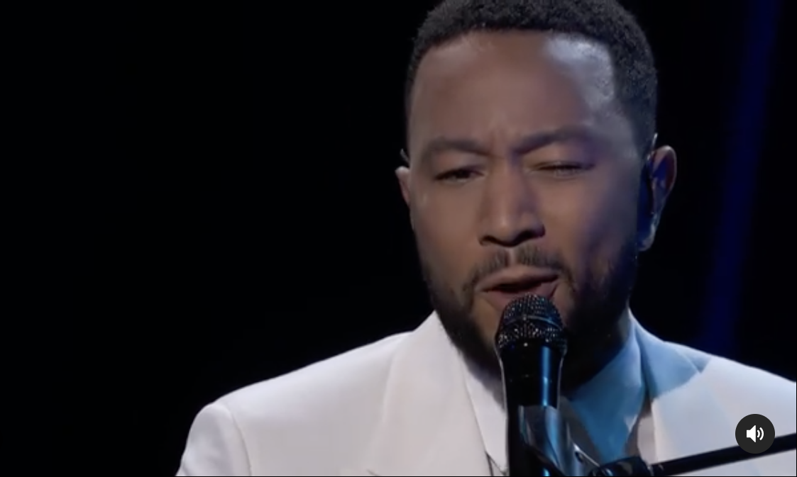 John_Legend_Dedicates_Emotional_Performance_to_Wife_Chrissy_Legend.png